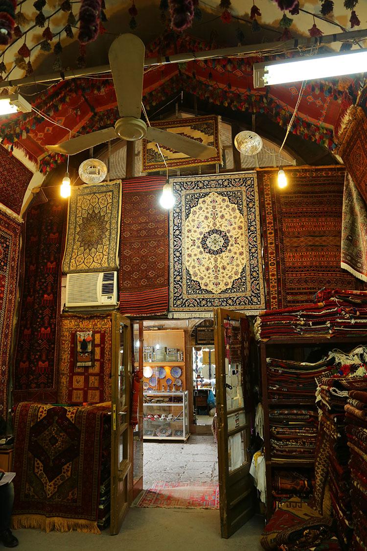 ペルシャ絨毯のお店