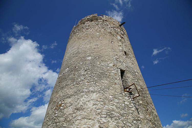 シータが幽閉された塔