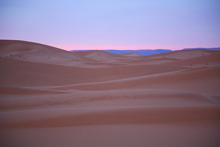 サハラ砂漠 朝焼け