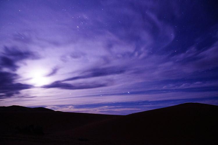 モロッコ サハラ砂漠 月の出