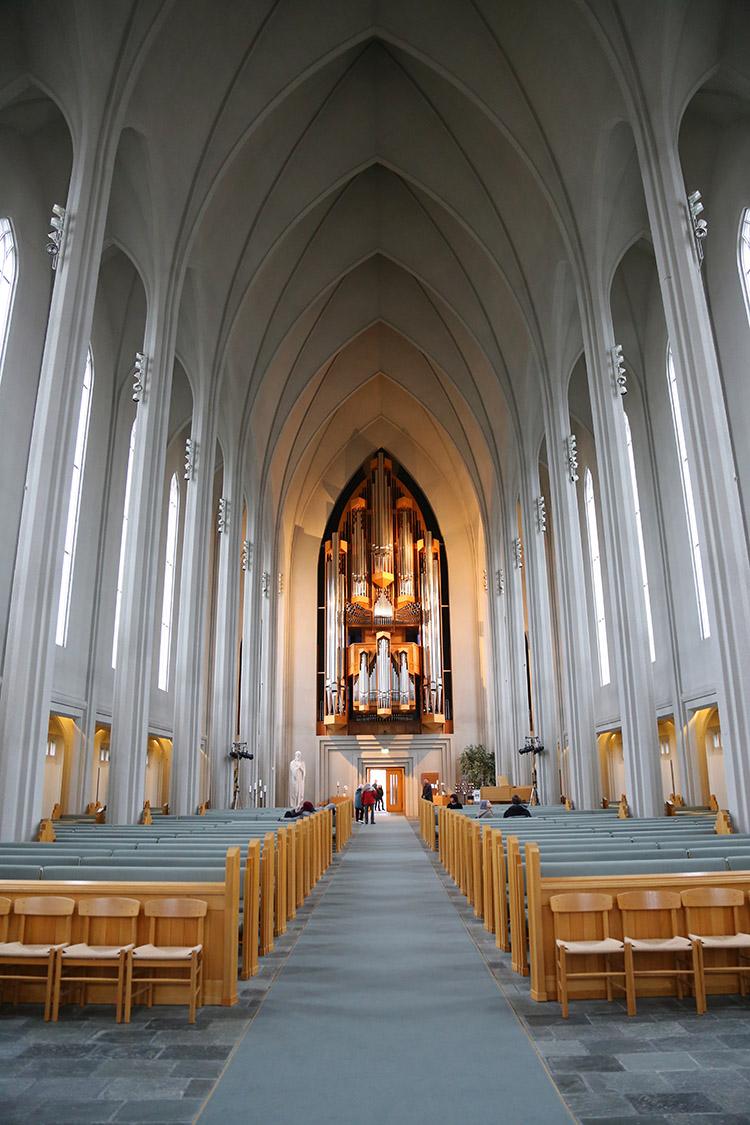 アイスランド ハットルグリムス教会