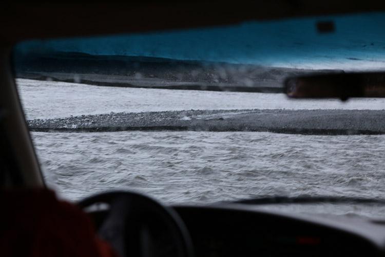 アイスランド 氷の洞窟 ツアー