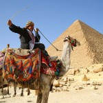 ピラミッドでエジプト人に勝利!