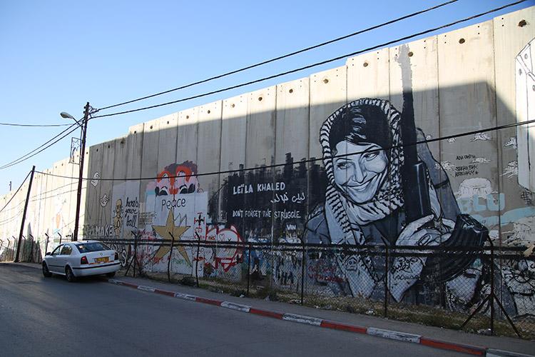 パレスチナ自治区 壁 アート
