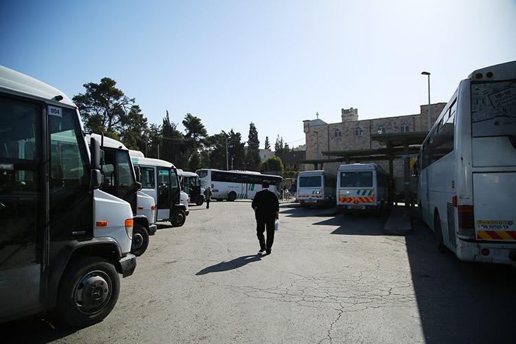 エルサレム ラマラ 行き方 バス