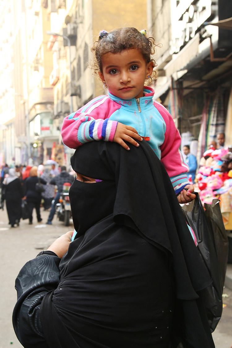 イスラム 女性 チャードル