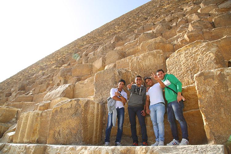 ギザ クフ王 ピラミッド