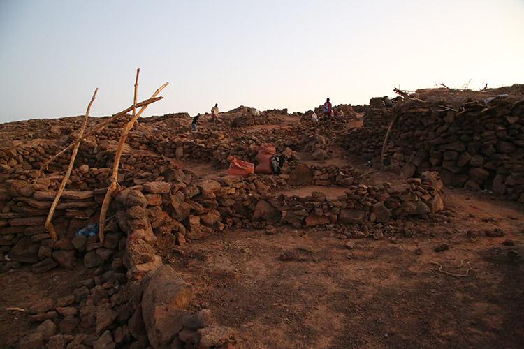 ダナキルツアー エチオピア エルタアレ火口