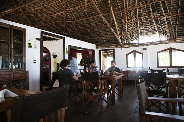 ザンジバル パジェ THE ROCK レストラン