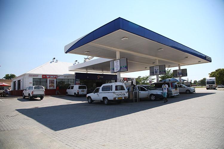 ナミビア ルンドゥ バス停