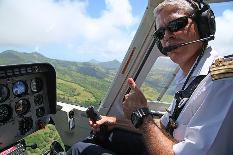 モーリシャス ヘリコプター 幻の海の滝