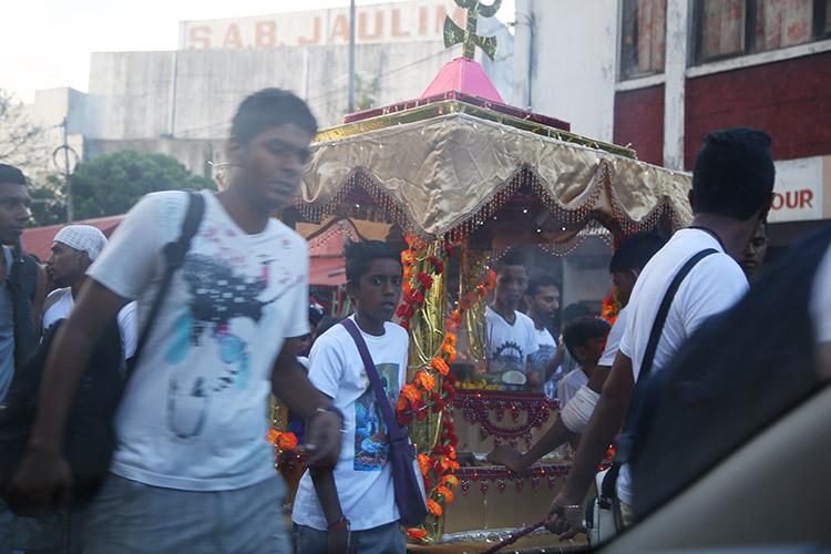 モーリシャス ヒンドゥー お祭り