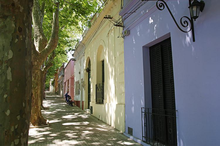 コロニア デル サクラメント ウルグアイ