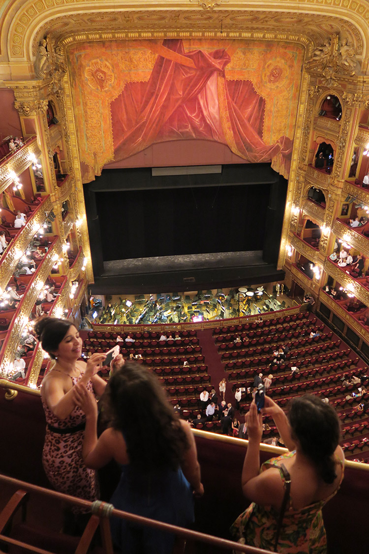 ブエノスアイレス コロン劇場