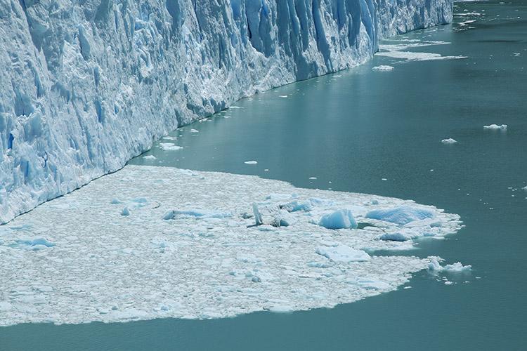 ペリトモレノ氷河 落氷