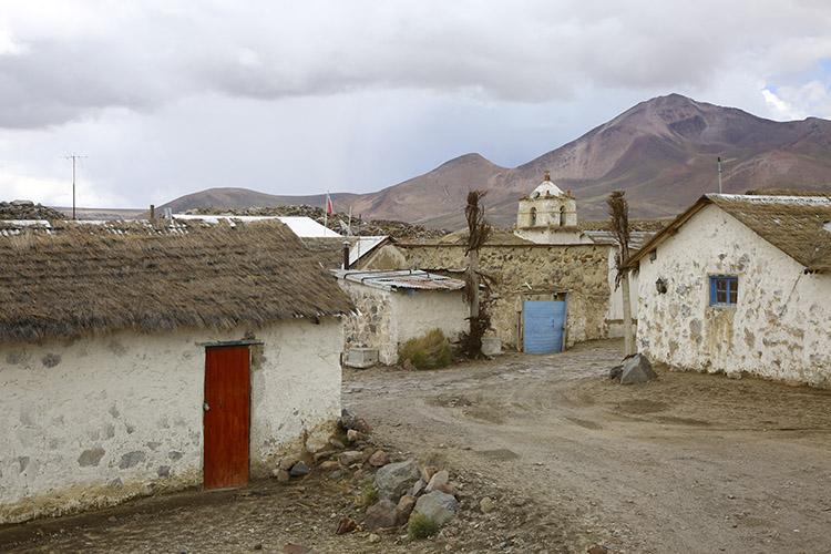 ラウカ パリナコタ村