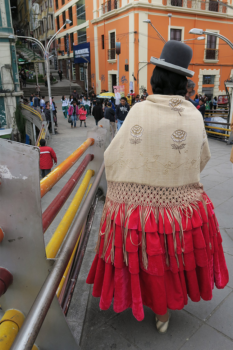 ラパス 民族衣装