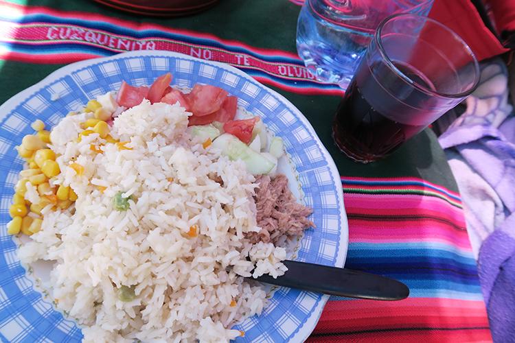ボリビア ツアー 食事