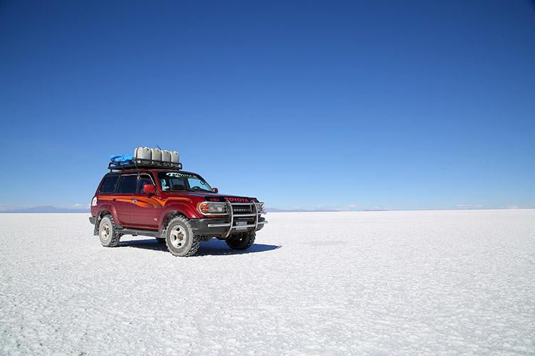ウユニ塩湖 ツアー