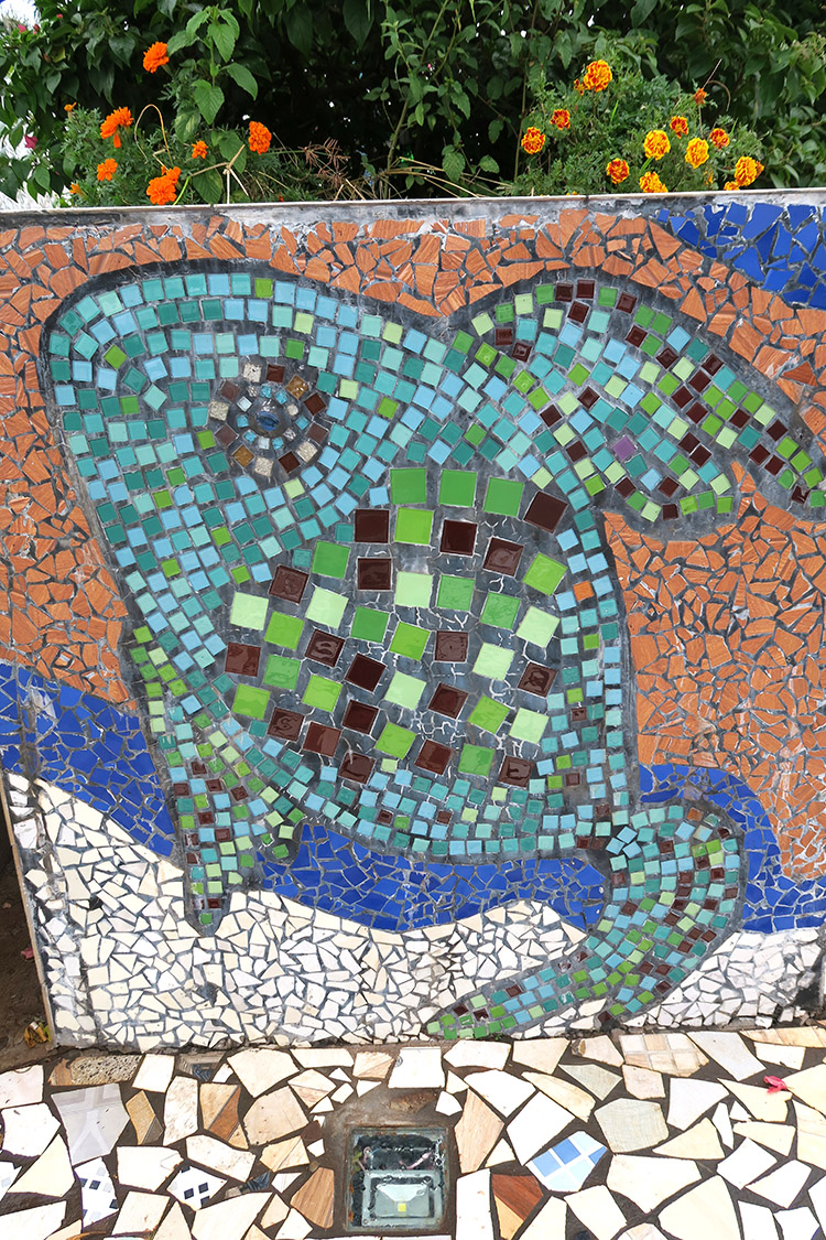 エンカルナシオン サンペドロ タイル 広場