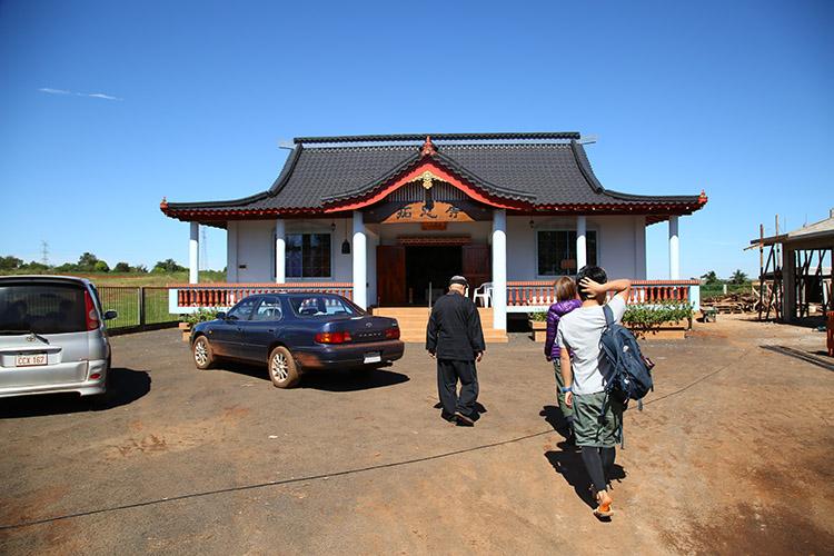 民宿小林 パラグアイ お寺