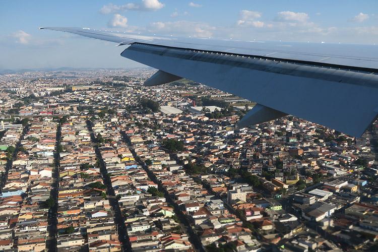 サンパウロ 飛行機 空港
