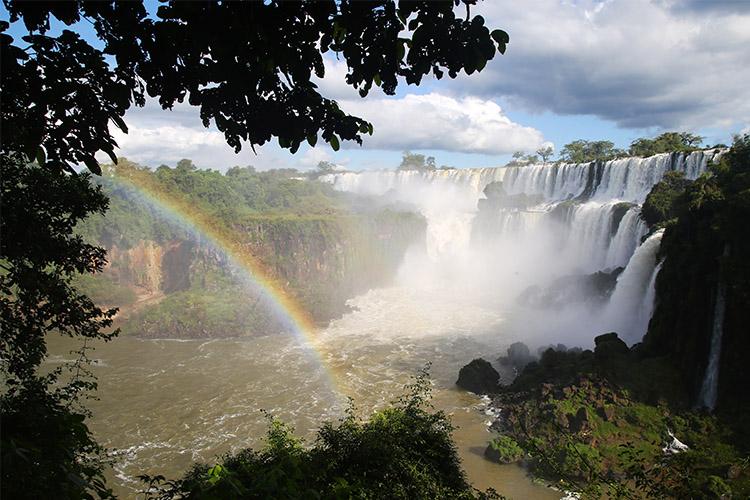 イグアスの滝 アルゼンチン 虹