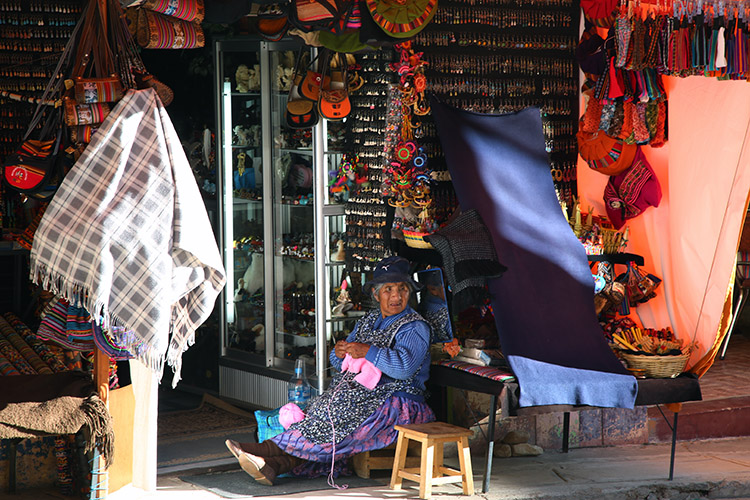 コパカバーナ ボリビア 観光