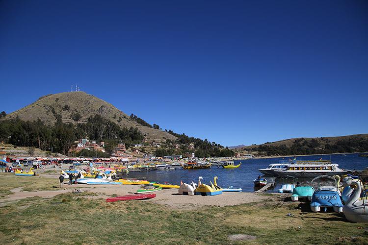コパカバーナ ティティカカ湖  ボリビア
