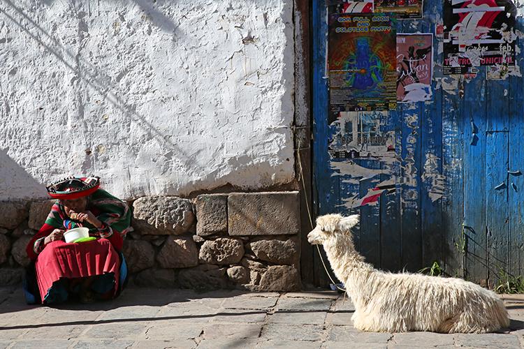 ペルー クスコ 路地 買い物