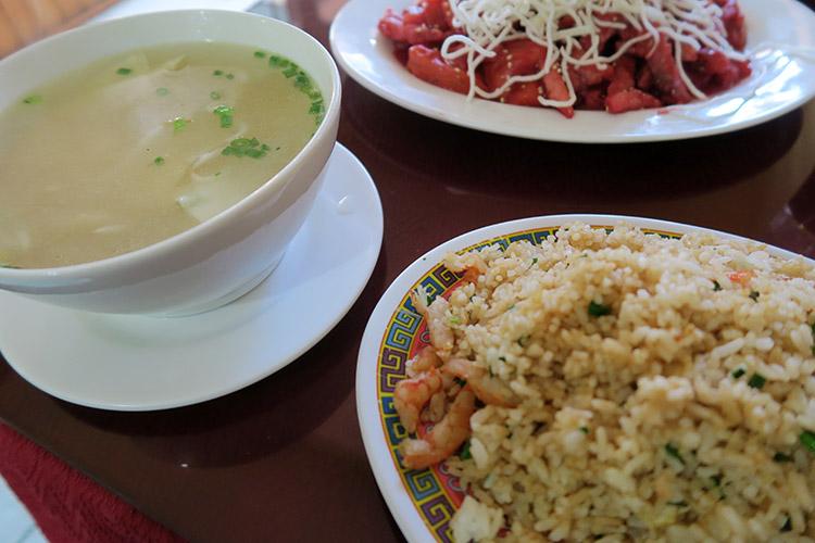 ペルー プーノ 食事 ご飯 レストラン 中華