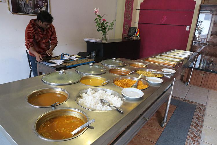 クスコ インドカレー 食べ放題 レストラン