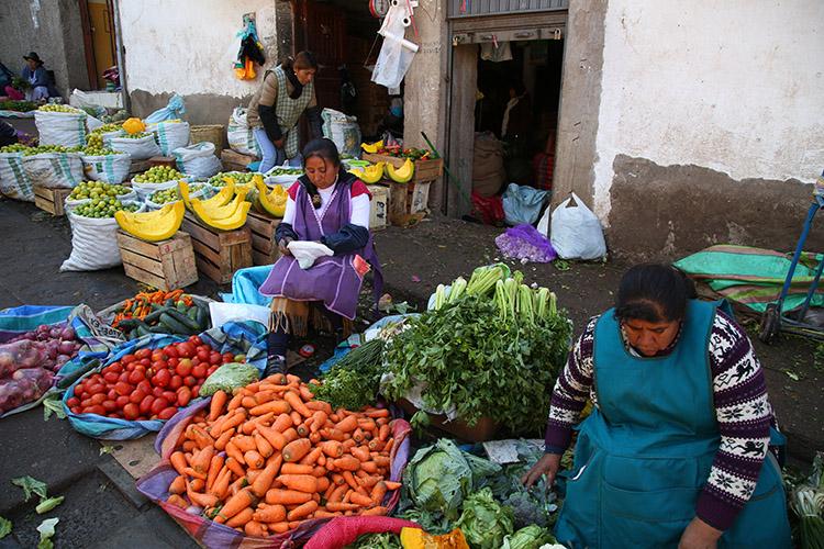 クスコ ペルー 市場