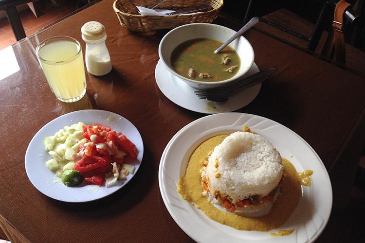 クスコ お得 ランチ レストラン ご飯 ペルー料理