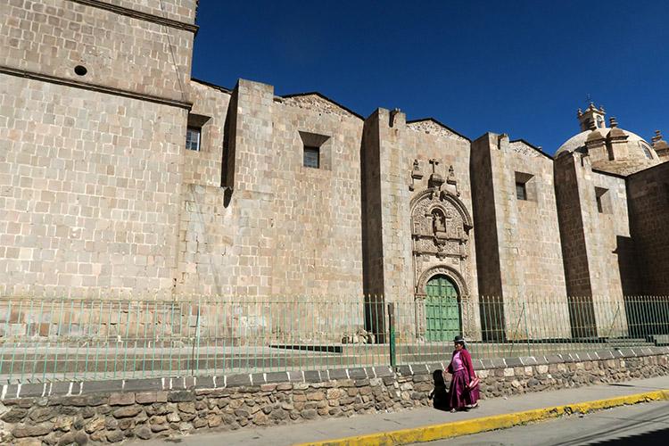 ペルー プーノ 街歩き