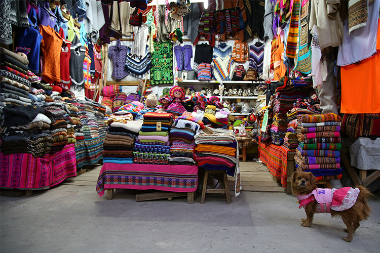 クスコ お土産 路地 アンデス雑貨