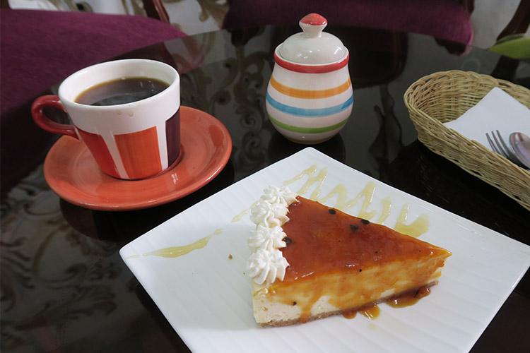 クスコ カフェ巡り おすすめ ケーキ