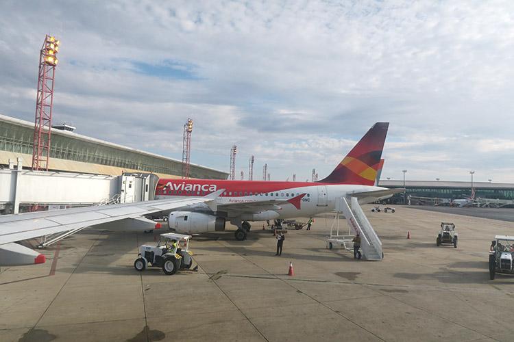 ブラジリア リオ 飛行機