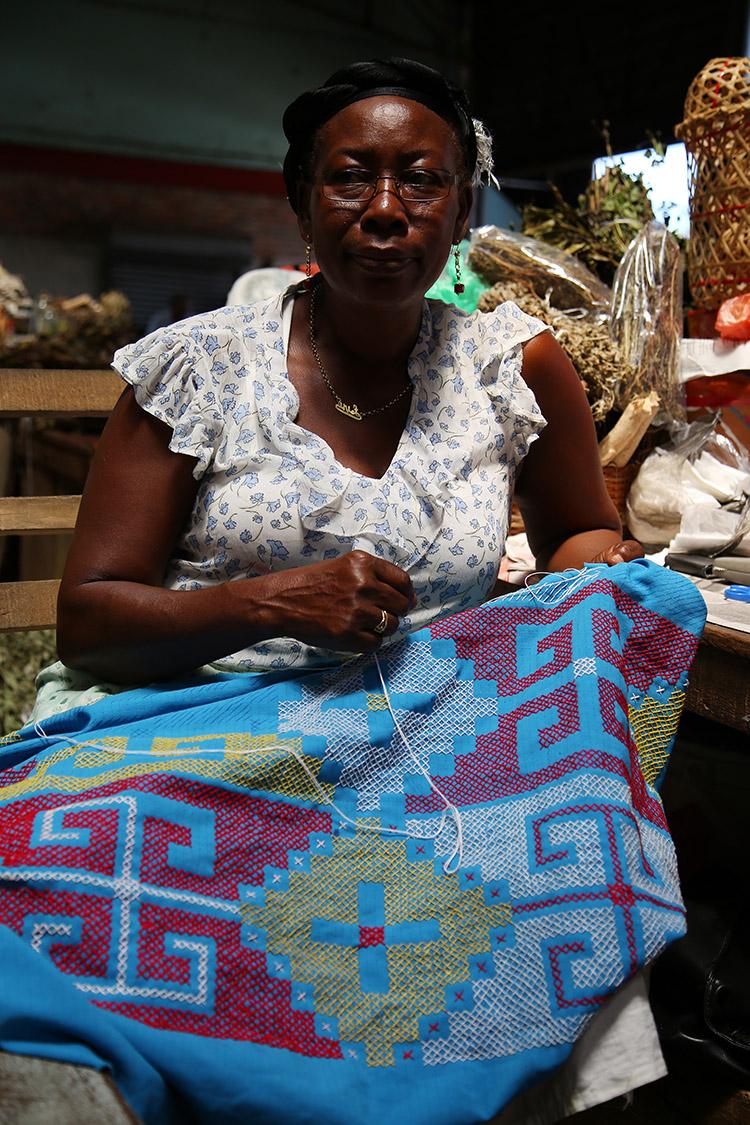 スリナム パラマリボ 中央市場