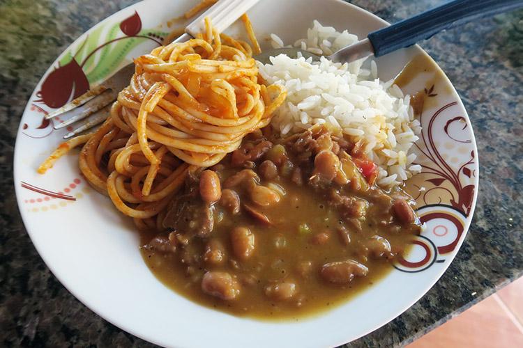 ブラジル 定番料理 フェイジョン