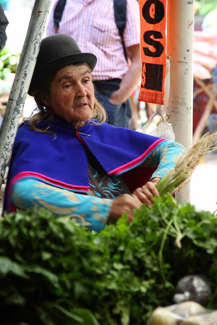 シルビア 火曜市 民族 コロンビア