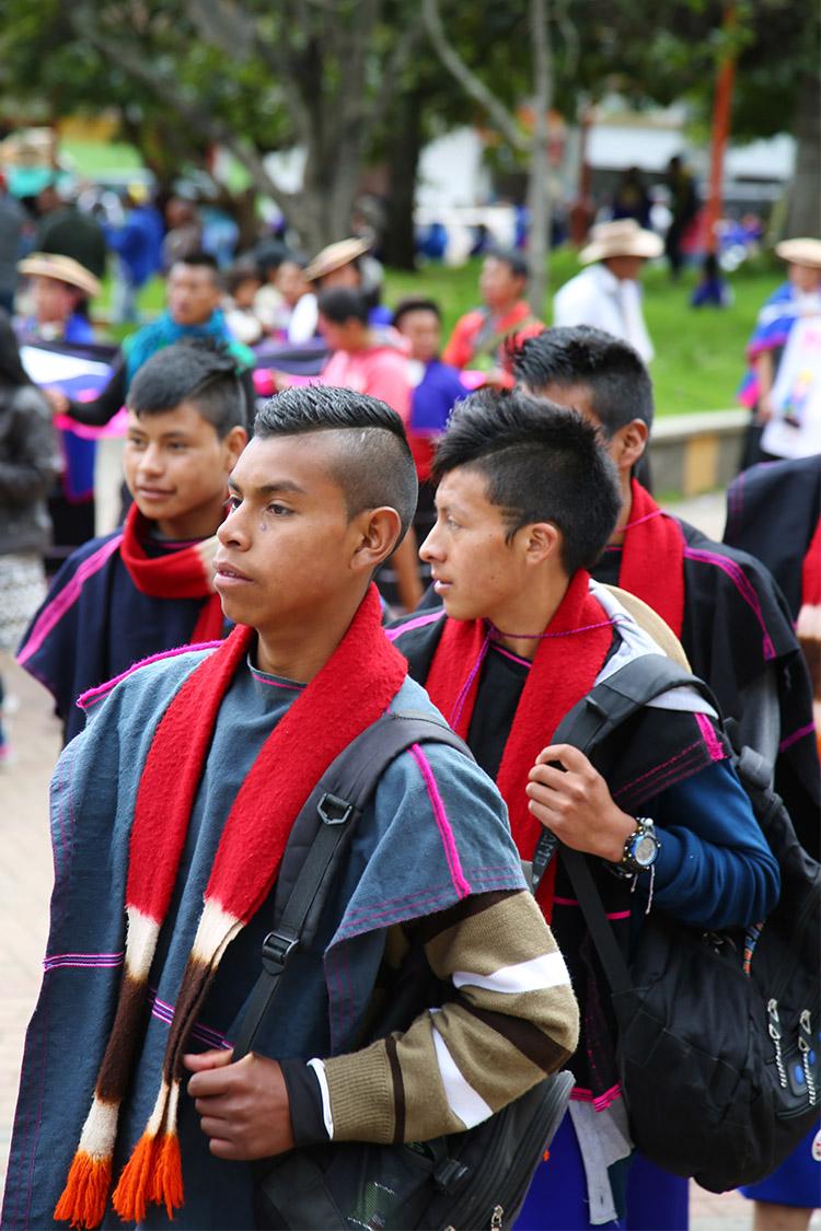 シルビア お祭り 民族衣装 コロンビア