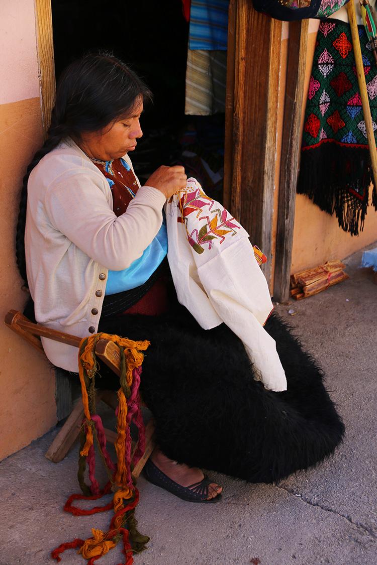 サンフアン・チャムラ 日曜市 マヤ民族