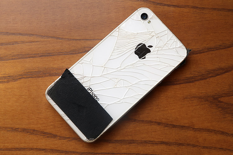 iphone4s ヒビ割れ