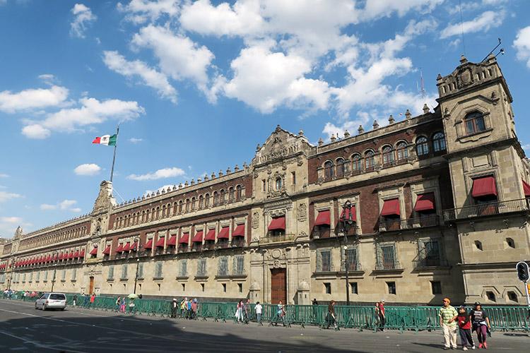 メキシコシティ 旧市街 観光 町歩き