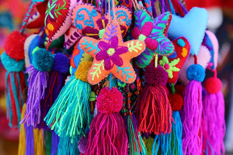 サンクリ サンフアンチャムラ 民芸品 買い物