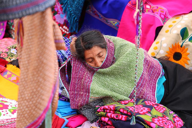 メキシコ お土産 サンクリ 市場