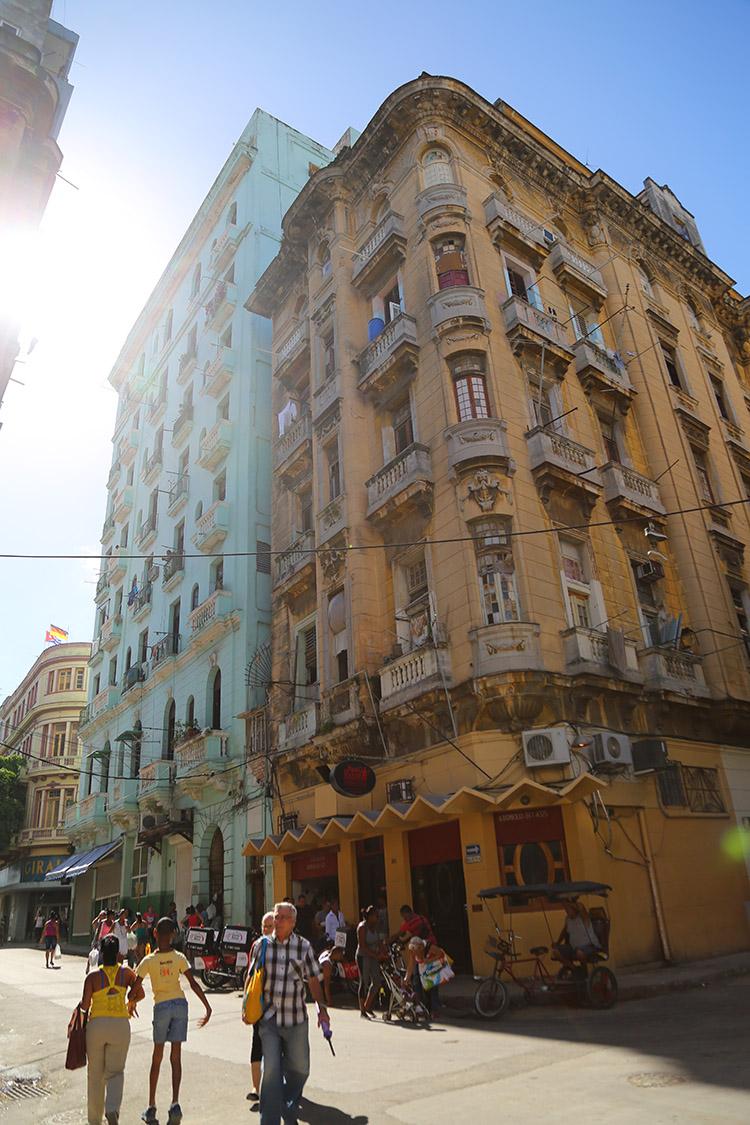 キューバ ハバナ 街並