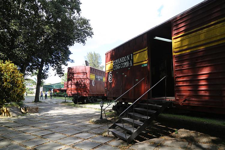 装甲列車襲撃記念碑 サンタクララ