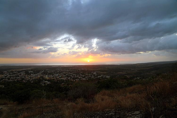 トリニダー サンセット ミラドール 丘